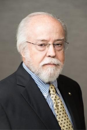 Headshot of Alfredo Navarro