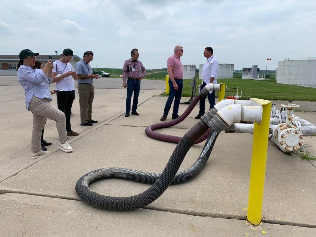 Mexican Retailers Team to Iowa - Blender Pump