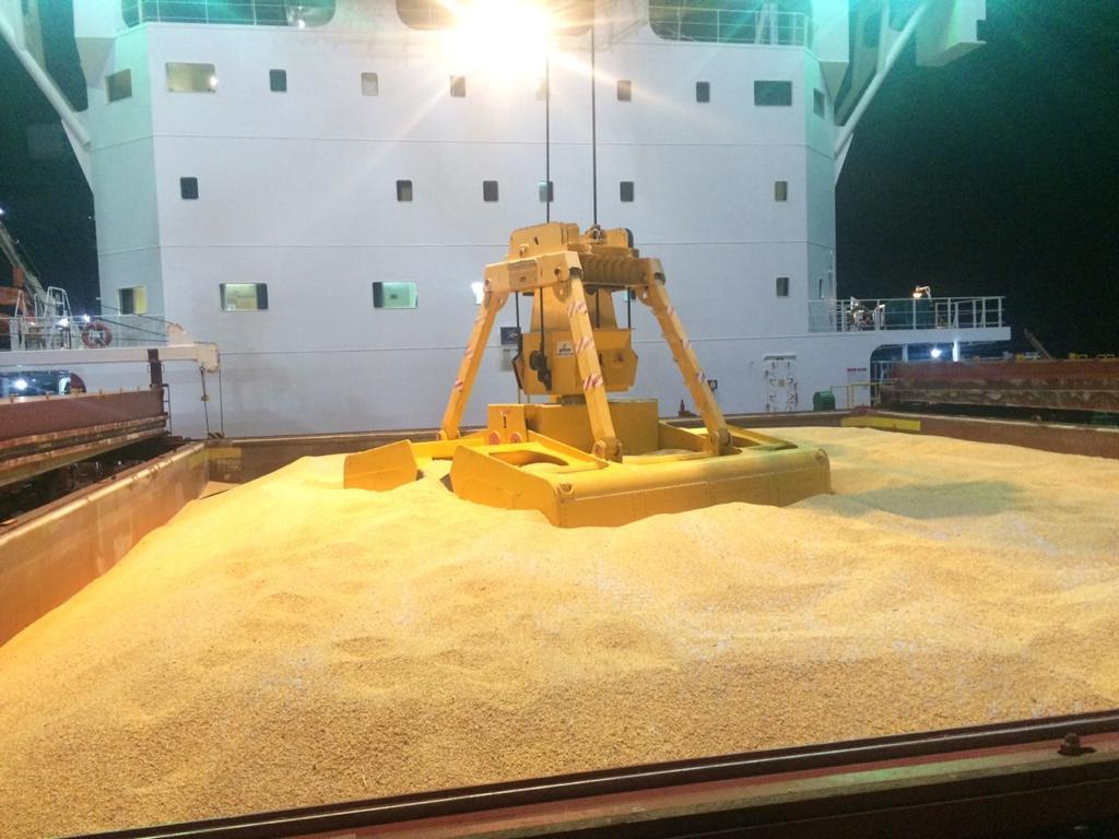 Corn Vessel Unloading in Vietnam