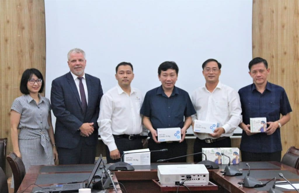 The U.S. Grains Council (USGC) recently purchased COVID-19 equipment to distribute to its livestock and fisheries partners in Vietnam. This gift comes after the memorandum of understanding (MOU) signing in late September that aimed to build on the relationship between the United States and Vietnam, specifically in the areas of feed production, poultry, aquaculture and biofuels.